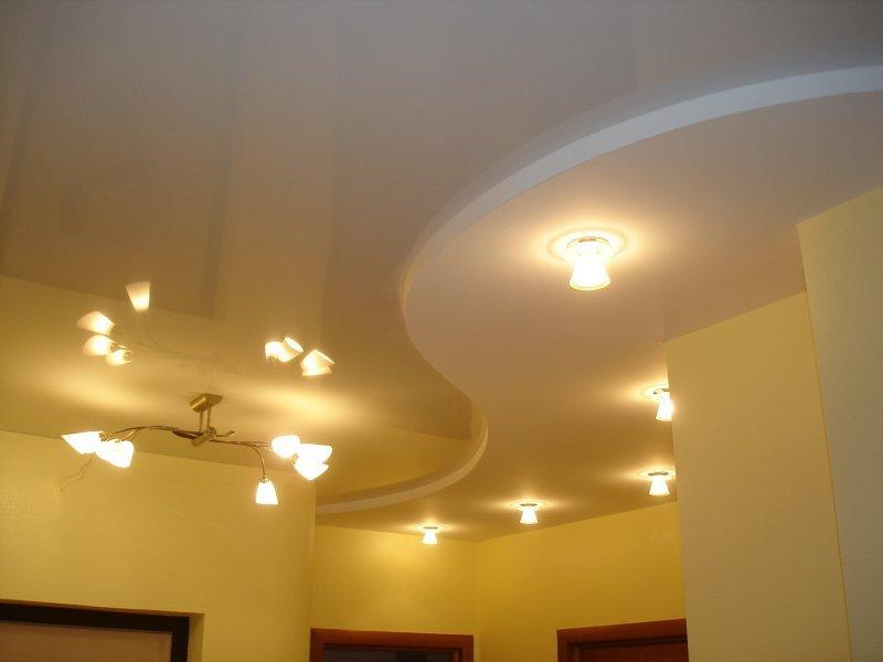 Вырез форм на потолке