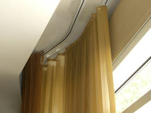 Потолочные пластиковые карнизы для штор