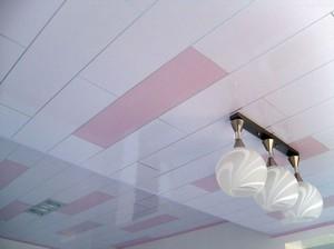 Как крепить пластиковые панели к потолку
