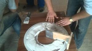 Нанесение глины на форму