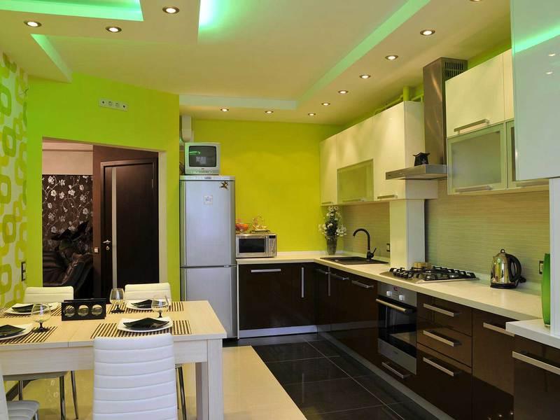 Дизайн освещения потолка на кухне